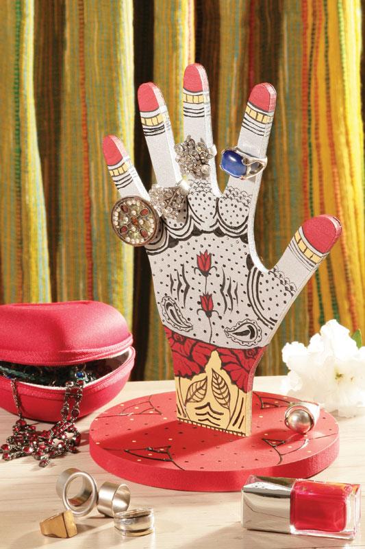 Porta-anéis com pintura indiana