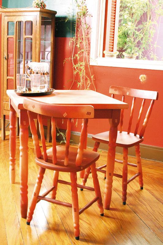 Como reformar mesa e cadeiras