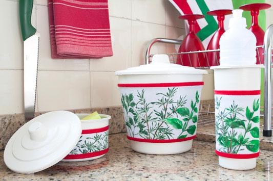 Especiarias da culinária inspiram pintura em kit cozinha