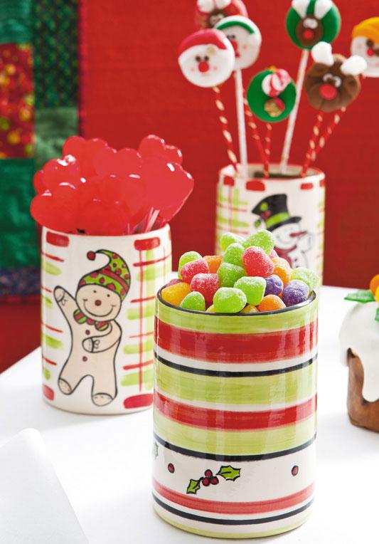 Potes de cerâmica com pintura natalina