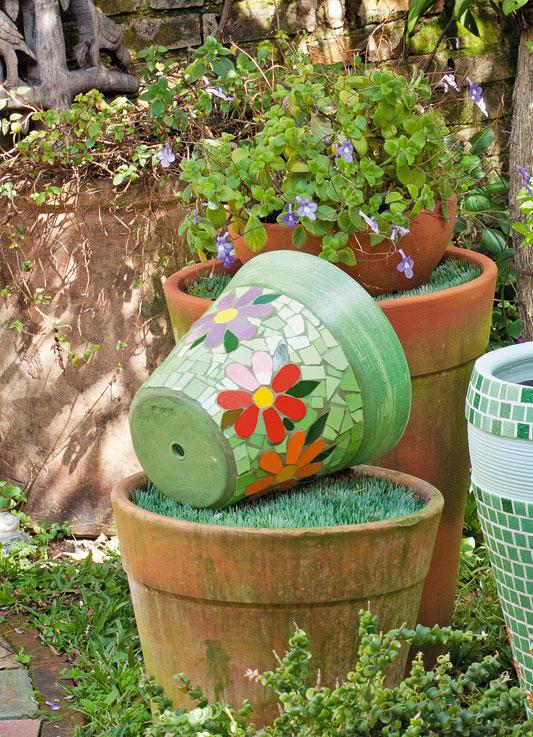 Vasos com mosaico de azulejo