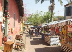 Tradicional Feira de Embu das Artes comemora hoje 44 anos