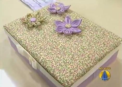 Aprenda como fazer uma caixa forrada com tecido