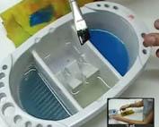 Cristina Bottallo ensina a fazer a limpeza correta dos pincéis