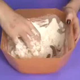 Saiba como fazer massa de modelar com farinha de trigo!