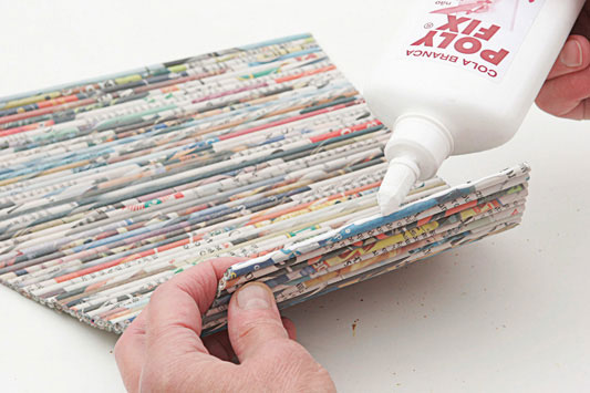 porta-garrafa-papel_exp10_31.01.11.jpg