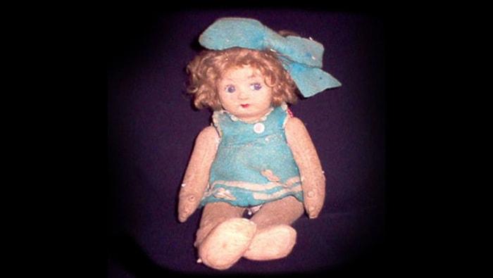 5 historias de muñecos poseídos de la vida real - 5