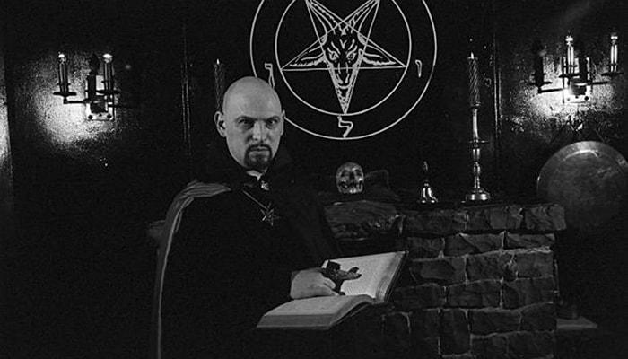 La iglesia de satán - 2