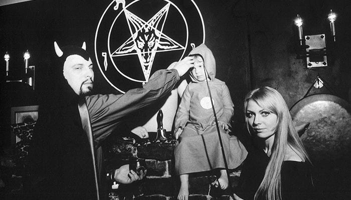 La iglesia de satán - 3