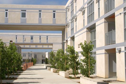 新生UCSD附近公寓 · 上