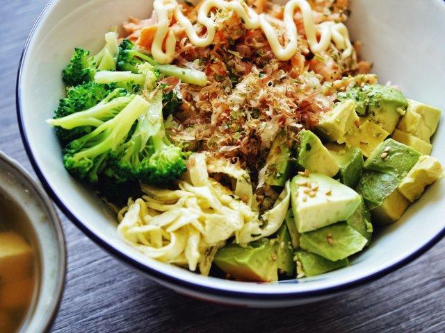 三文鱼牛油果poke bowl