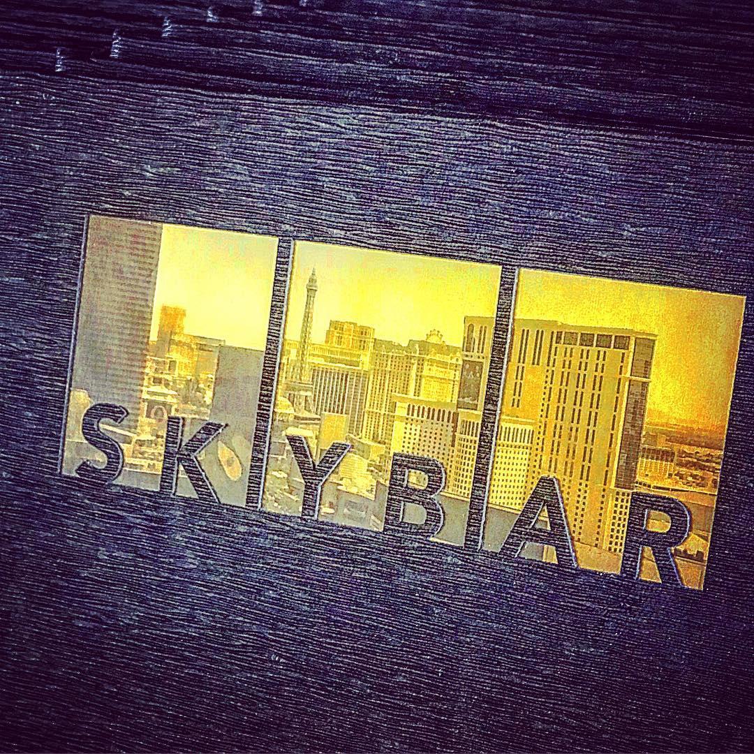 拉斯比去酒吧打卡🌃 景色无敌的Sky Bar🍷 图4
