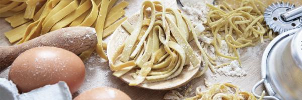 Cuisinez des pâtes (presque) aussi bonnes que celles de Grand-Mère ! Che Pasta Nonna est un petit atelier de fabrication artisanal de pâtes fraîches, sèches, sauces gourmandes et plats cuisinés. Nous ...