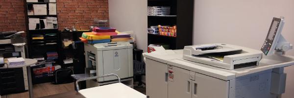 Imprimerie, centre de photocopies situé à Blagnac proche du tramway. NOUVEAUTÉ : Cabine photo d'identité agréées.  Impression de tous fichiers à partir de clé USB, CD, mails : CV, rapports, ...