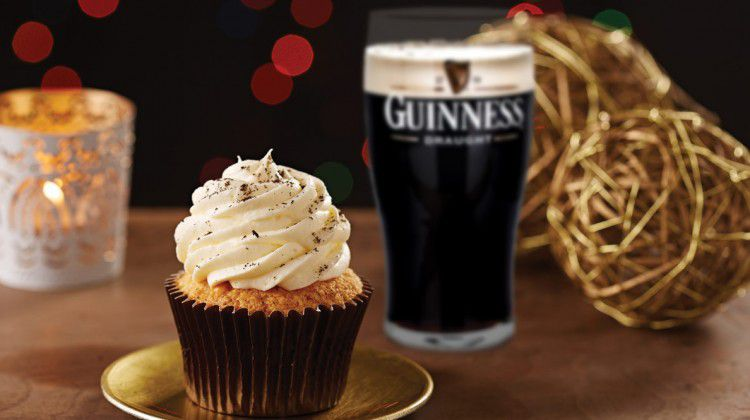 guinness-beer-cupcakes-with-vanilla-guinness-drizz