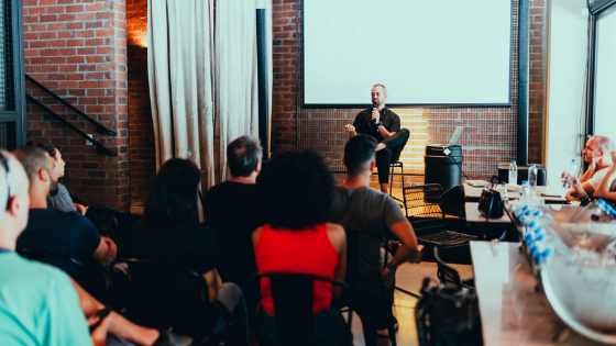 Apprendre à parler en public : les 8 trucs infaillibles