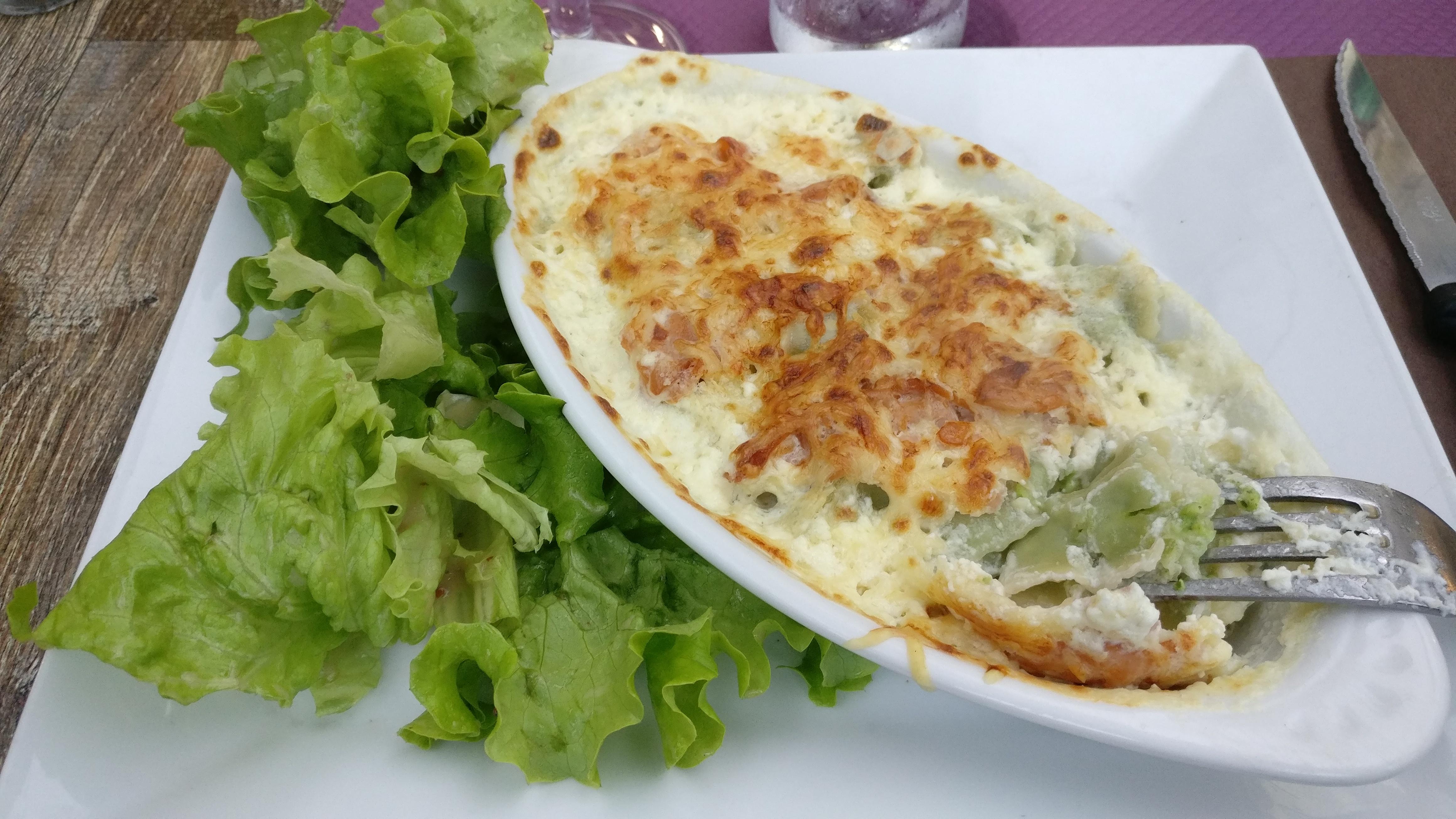 Photo du produit Gratin de ravioles au saumon fumé [Restaurant - Le Mélise] prise par Benbb96