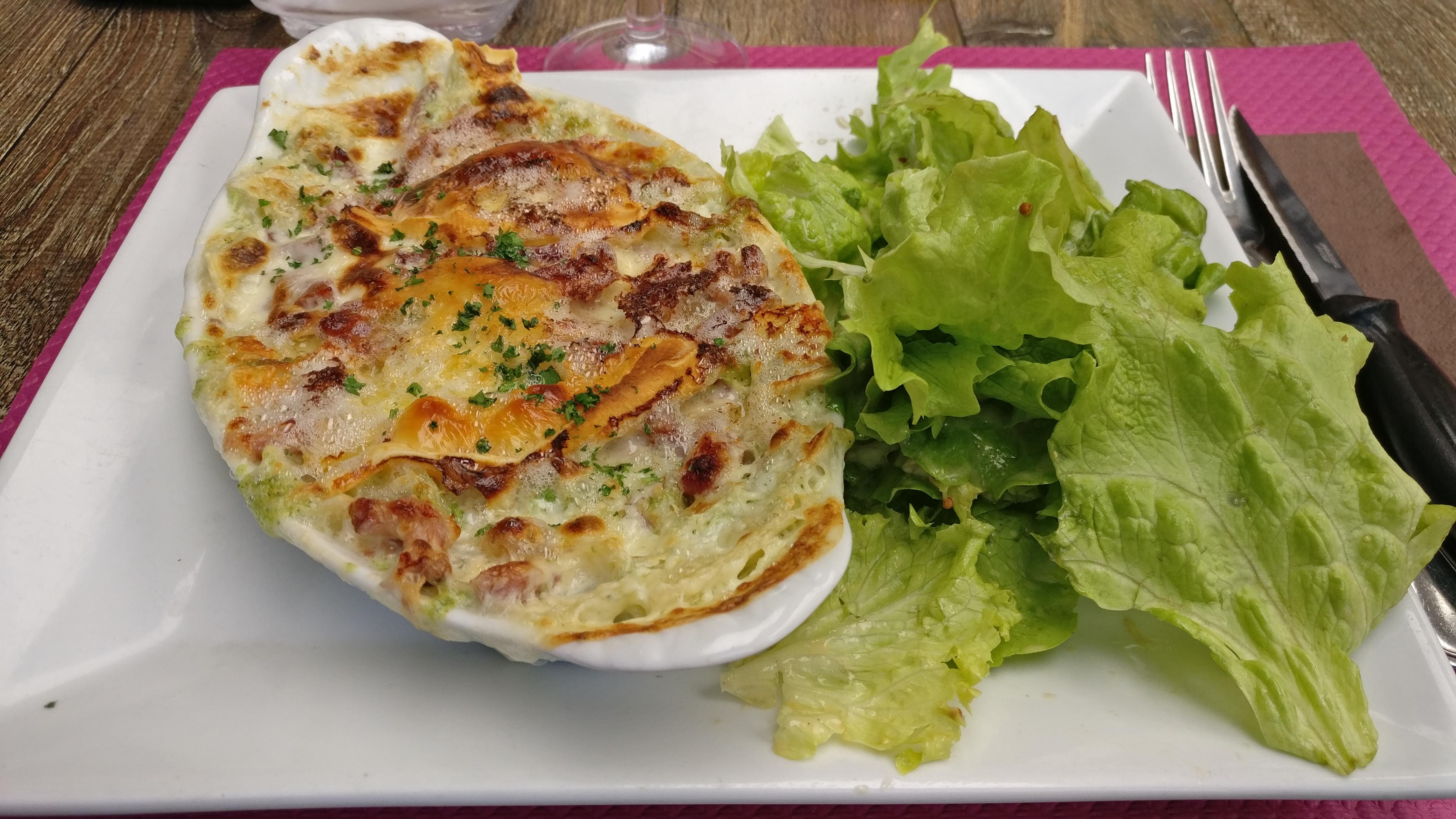Photo du produit Gratin de ravioles façon tartiflette [Restaurant - Le Mélise] prise par Benbb96