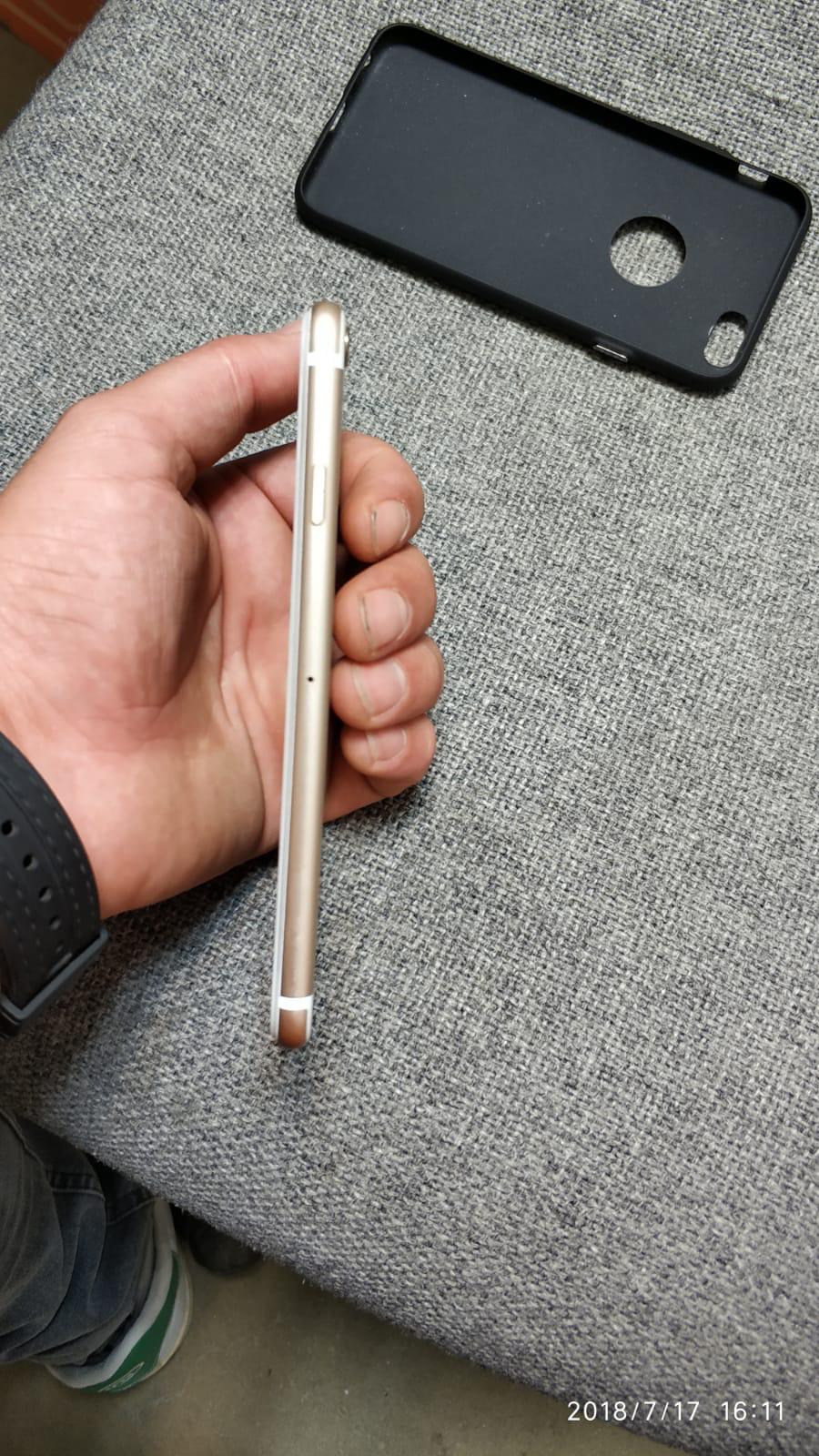4 aylık cihazdır kılıfsız asla kullanılmamıştır ekranda koruma camı takılıdır herhangi bir aksamında sıkıntı yoktur.