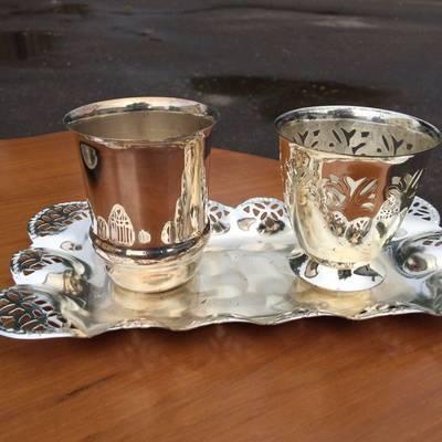 Комплект посуды из трех предметов в наличии