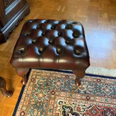 Пуф кожаный в стиле Честерфилд Англия, начало 20 века
