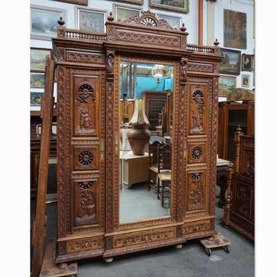 Бретонский антикварный платяной шкаф. в стиле Бретонский, Франция, конец 19 века