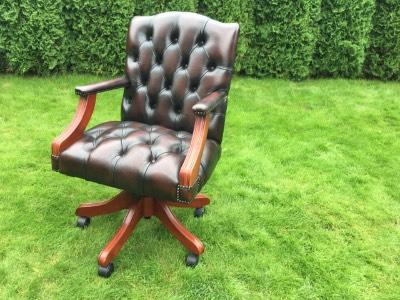 Кресло в стиле Честерфилд под заказ, Англия, начало 21 века