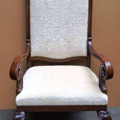 Антикварное кресло новая обивка. в стиле Ренессанс Франция, начало 19 века