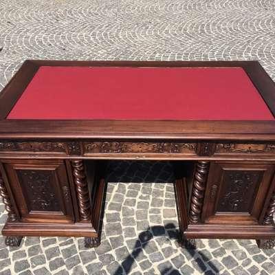 Стол письменный в стиле Ренессанс Италия, конец 19 века