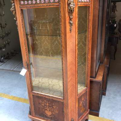 Витрина в стиле Луи Филипп в стиле Луи Филипп Бельгия, середина 20 века