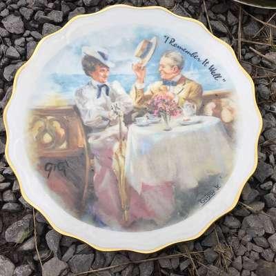 """Тарелка """"Свидание на берегу"""" в стиле Винтаж Франция, середина 20 века"""