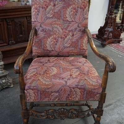 Антикварное кресло. в стиле Ренессанс Франция, начало 19 века