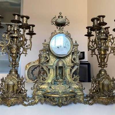 Бронзовые каминные часы с канделябрами в стиле Ренессанс, Франция, конец 19 века