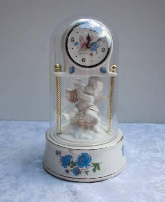 Часы Ангел в колбе в наличии