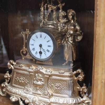 Часы цинковые с позолотой. в стиле Викторианский Франция, конец 19 века