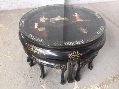 Столик с табуретками шинуазри в стиле Шинуазри Бельгия, середина 20 века