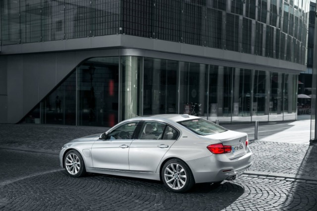BMW 3 330e iPerformance 2015