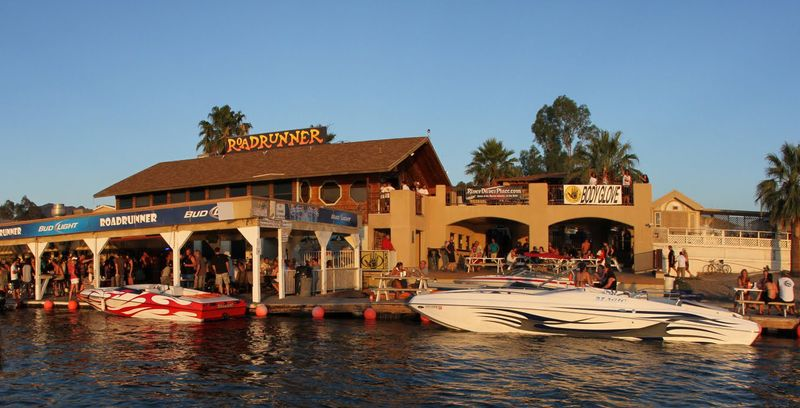 Roadrunner Floating Dock Bar