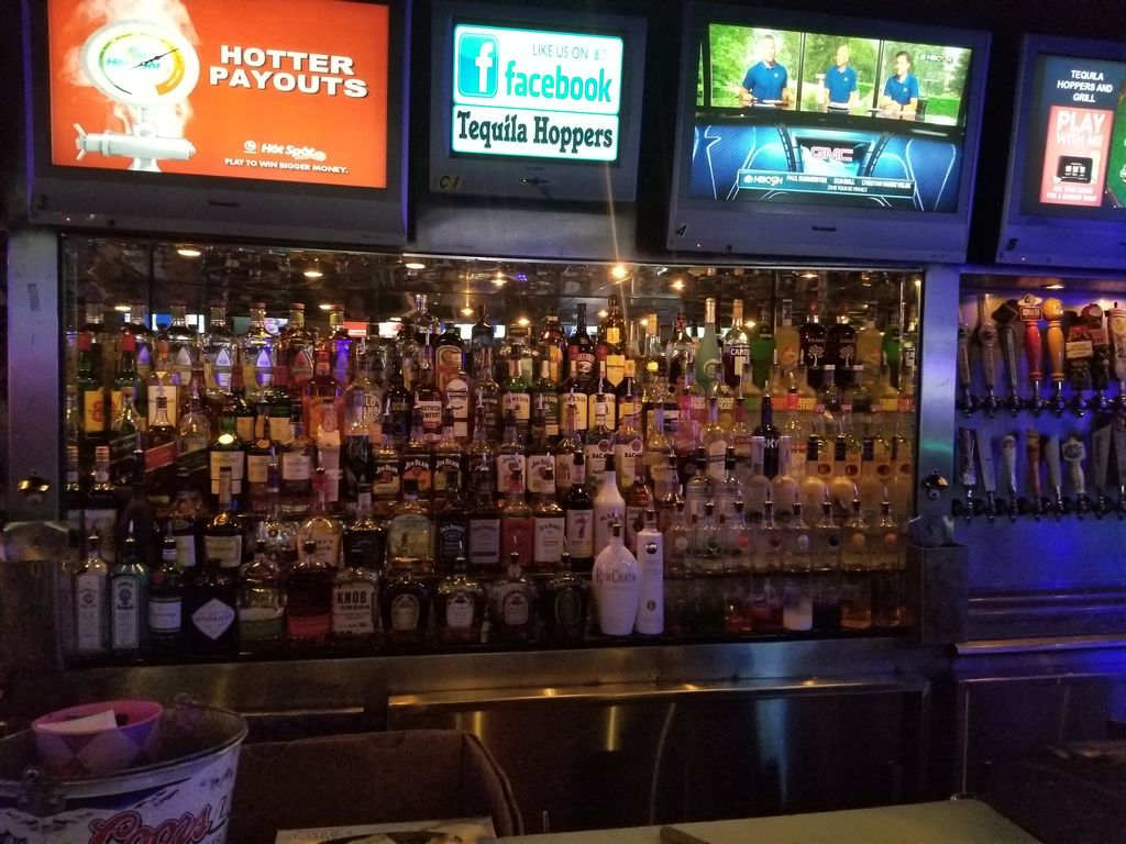 Tequila Hoppers Bar & Grill