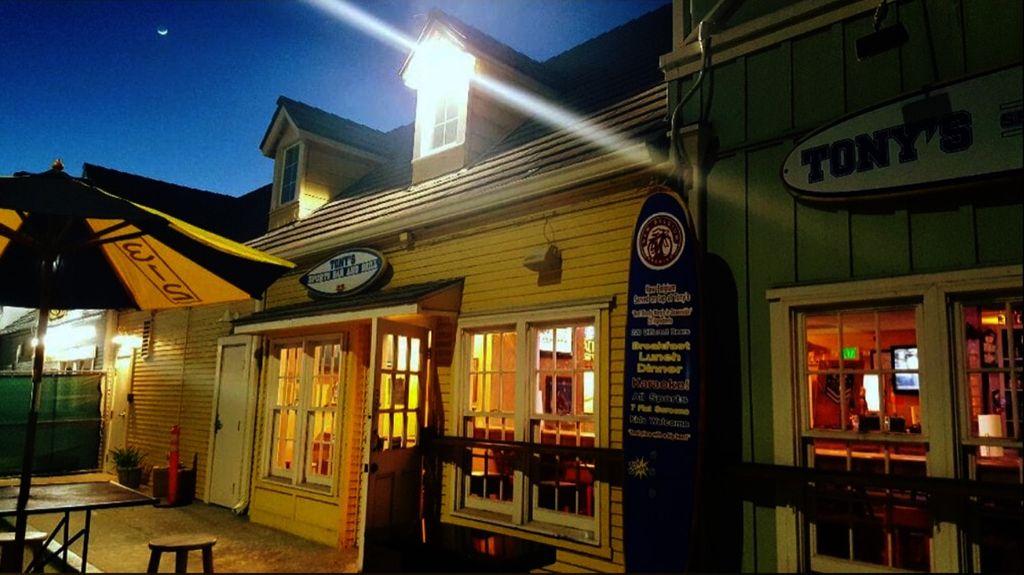 Tony's Sports Bar and Grill
