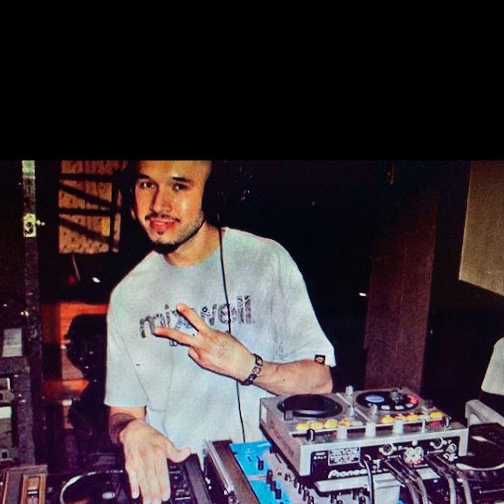 Friday Night DJ!!