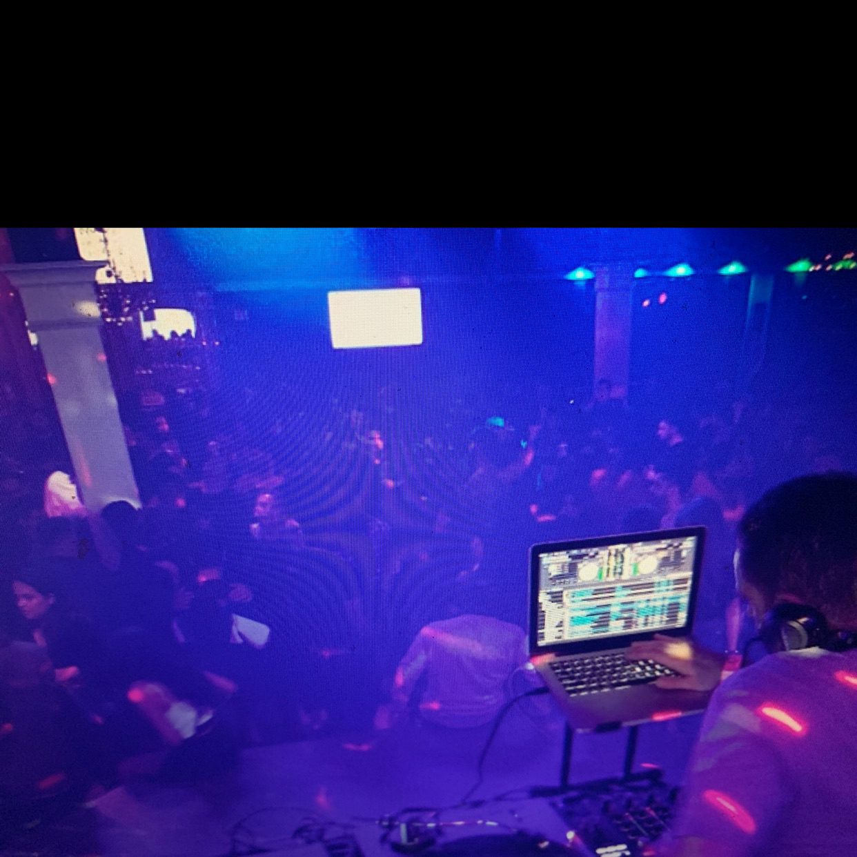 Aurea Vista Night Club and Bar.