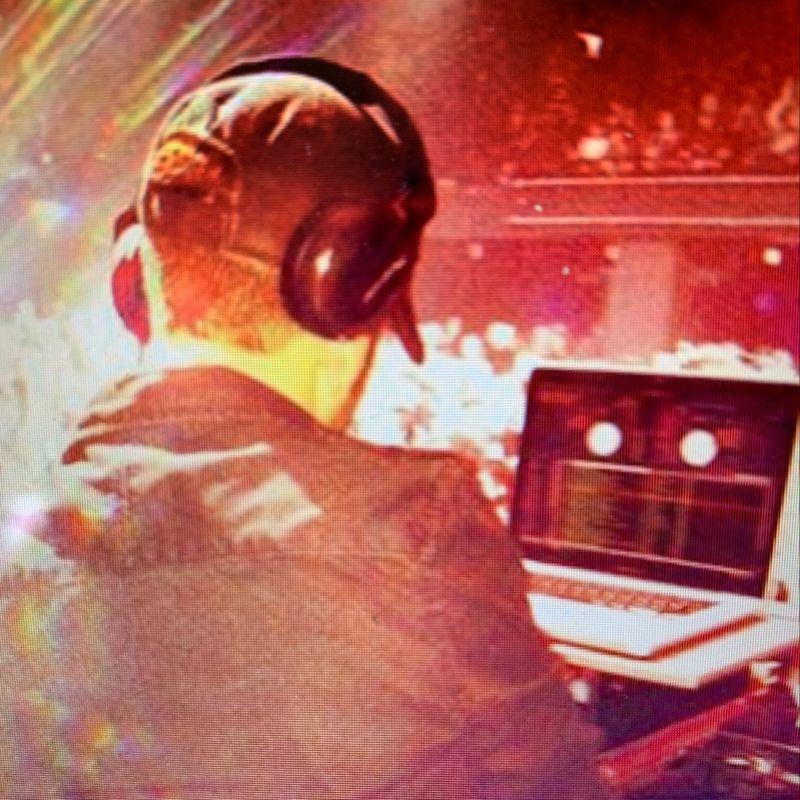 Live DJ Tuesday's!!