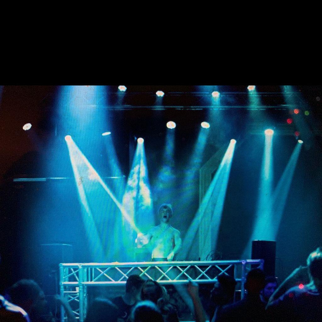 Detox Nightclub —Teen Nightclub