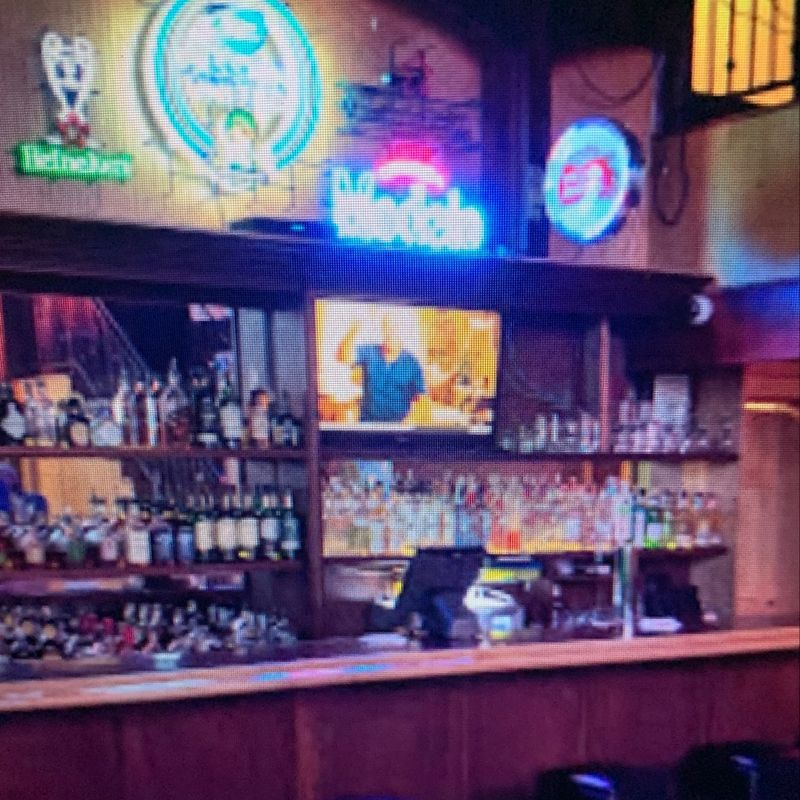 Shannon's On Pine Irish Pub & Sports