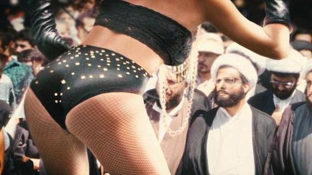 """رؤية ناقدة يمنية لفيلم """"صيد السلمون في اليمن""""!"""