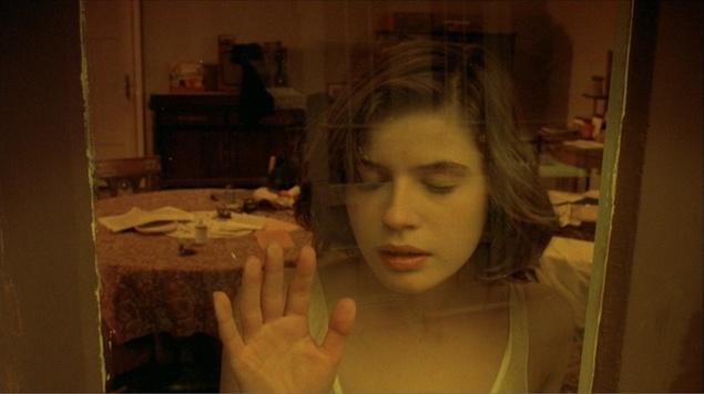 """فيلم """"حياة فيرونيكا المزدوجة"""" صانع الدمى المتشابهة"""
