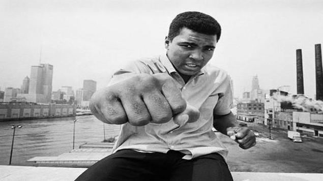 """""""محاكمات محمد علي"""": الملاكم العظيم في معركة الأفكار"""