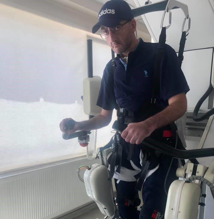 რობოტით გადაადგილდება - ცოტნე გამსახურდიას პირველი ფოტო სტამბოლიდან