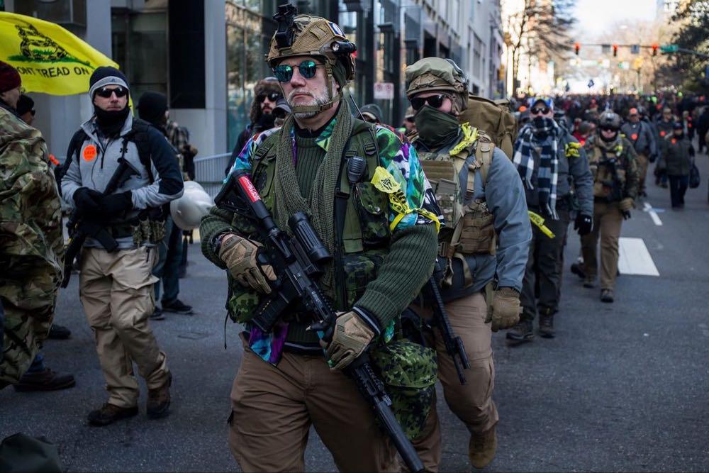 კორონა ვირუსის ფონზე, 2020 წლის მარტის თვეში, აშშ-ში, 1,900,000 რეკორდული რაოდენობის იარაღი გაიყიდა